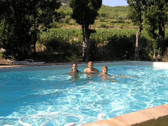 Chateau Juvenal: bathing in the swimming pool