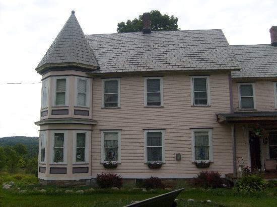 The Lake Champlain Inn - TLC Inn: The Inn