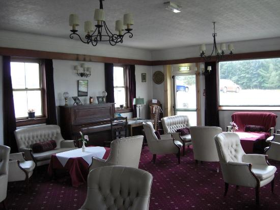 Kings House Hotel: the lounge - sitting by the picture windows just wonderful
