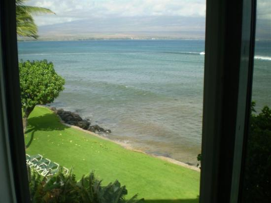 Milowai Resort: Looking East out of the Master Bdrm window...