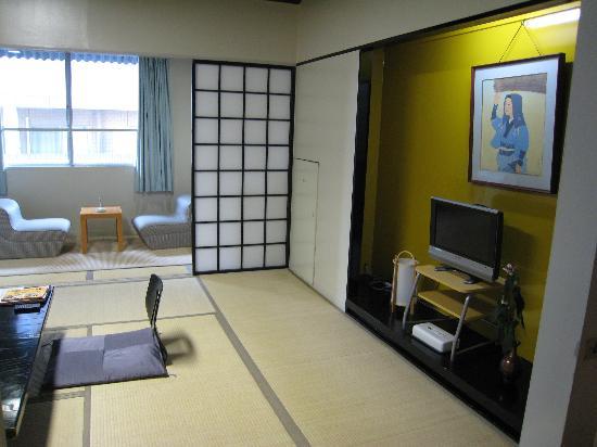 Ryokan Kohro: View from entry doorway