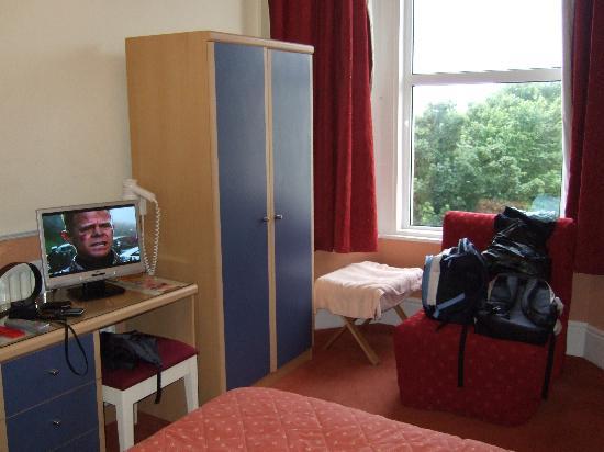 Adelphi Hotel: Hotel room