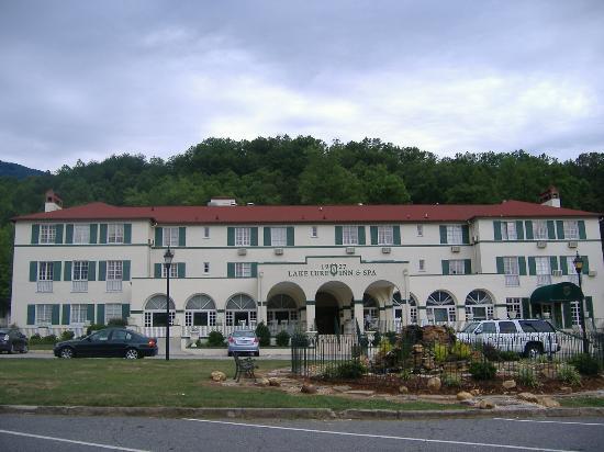 The 1927 Lake Lure Inn and Spa: The Inn