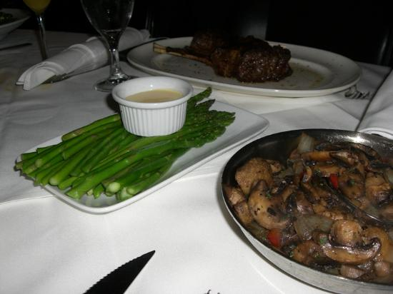 Mastro's Steakhouse: Steamed Asparagus and Sauteed Mushrooms