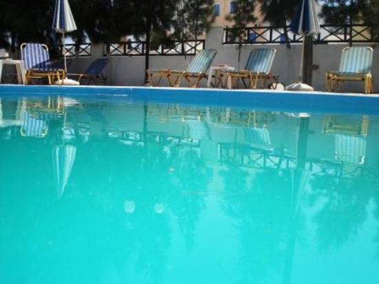 Anny Hotel: Dirty pool