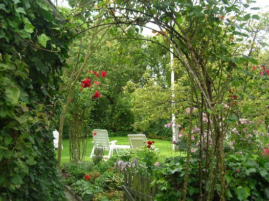 Maribo Bed and Breakfast: Garden
