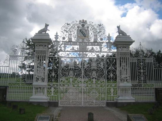 Moreton Park Hotel : Gates at nearby Chirk Castle.