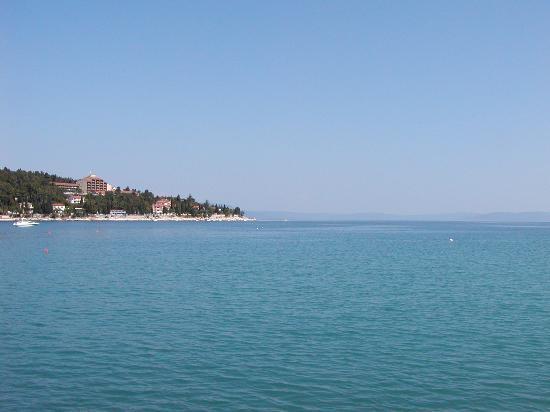 Mediteran Residence: Anblick zur Insel Cres (Hintergr.)
