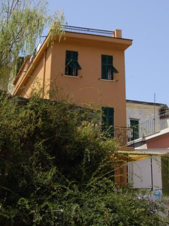 La Torre: The house at the top of the hill