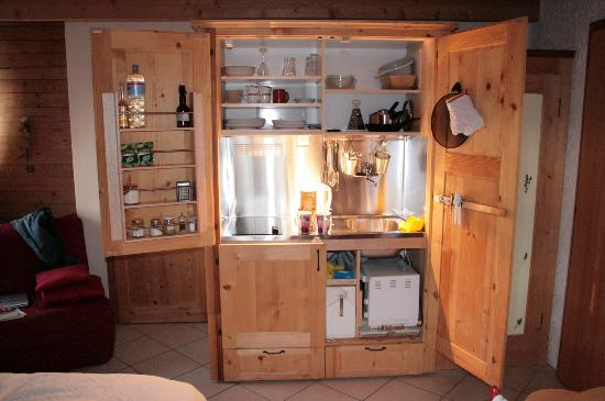 Chambres d'hotes Lepatchi: cuisine chambre pervenche