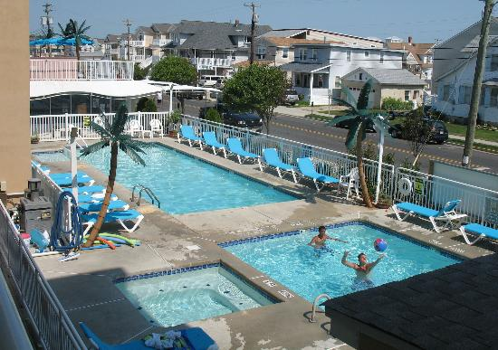 North Wildwood, NJ: Surf Song pools