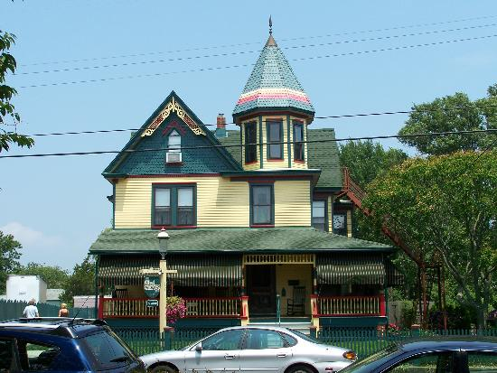 The Albert Stevens Inn