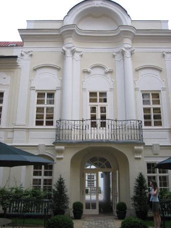 Smetana Hotel : Courtyard