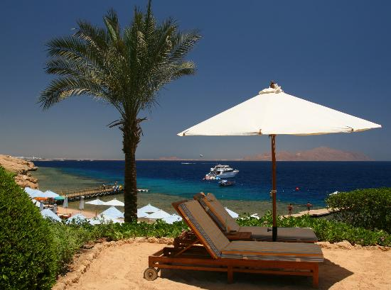 Four Seasons Resort Sharm El Sheikh: Au dessus de la plage