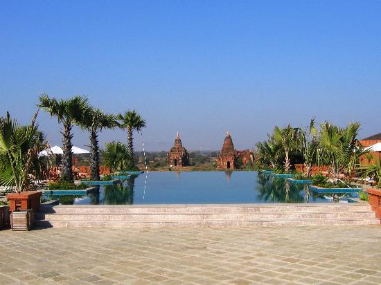 Aureum Resort Hotel