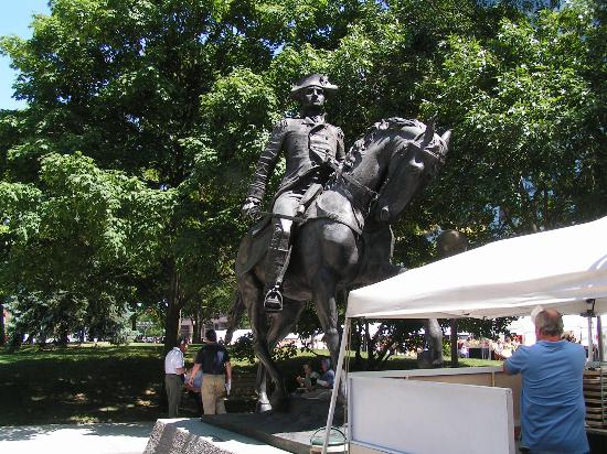 Fort Wayne, IN: Anthony Wayne Statue - Downtown Ft. Wayne (Three Rivers Festival)