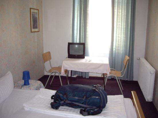 Hotel Garni Flora: Our Room