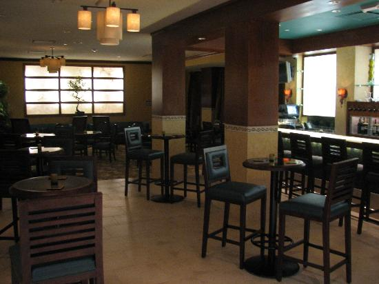 Embassy Suites by Hilton Fort Worth Downtown: Bar/Lounge Area