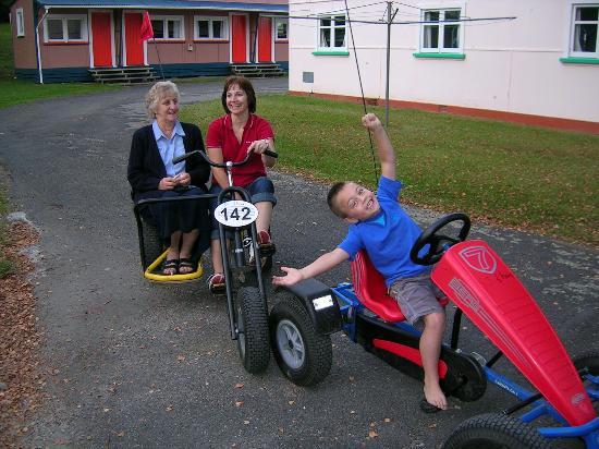 Whanganui River Top 10 Holiday Park : Three generations having fun!!