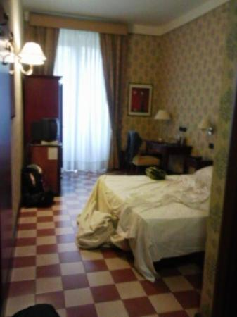 Hotel Savona: Limpia. Acogedora. Buen baño. Unico problema: no ascensor