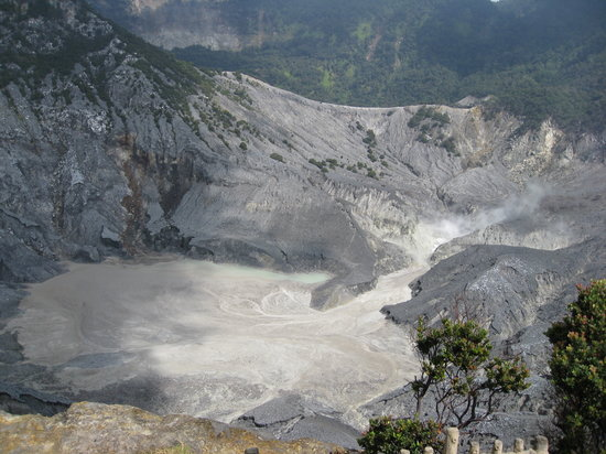 Bandung, Indonesië: View of the crater