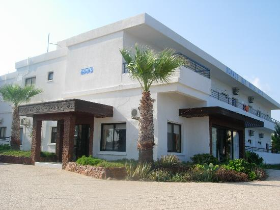Konnos Bay Hotel Apartments: Hotel Reception / Entrance