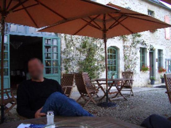 Hotel les Deux Ponts : Hotel Deux Ponts: Terrace