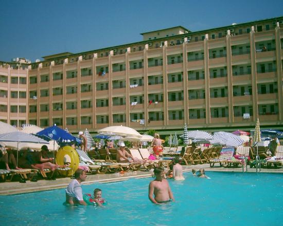 Eftalia Aytur Hotel: l'hotel vue de la piscine