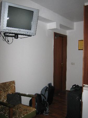 Adam Hotel: Room