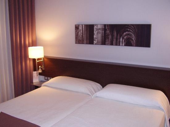 Hotel Rekord: bedroom