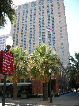 Sheraton Grand Sacramento Hotel Exterior Of The