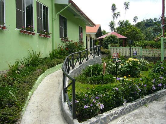 El Oasis Hotel & Restaurant: hotel oasis
