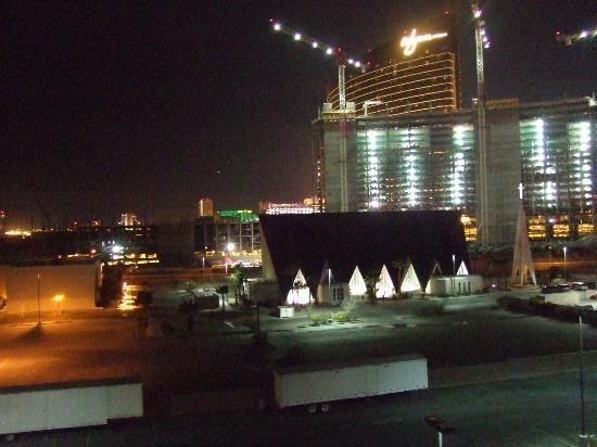 Royal Resort: Construction