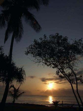 Jacaranda Indian Ocean Beach Resort: Sunrise