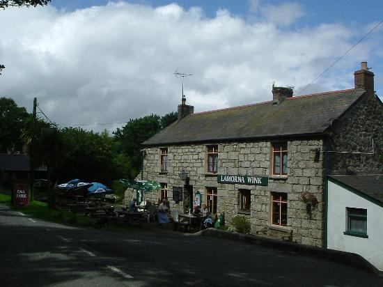 Castallack Farm : The Lamorna Wink Pub