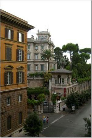 Hotel Ludovisi Palace: View from the room