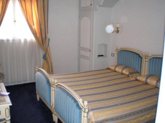 Grand Hotel Gallia Londres: Habitación doble