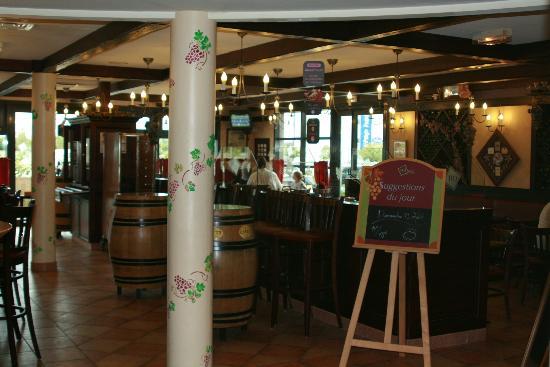Ibis Calais Tunnel Sous la Manche: Restaurant area
