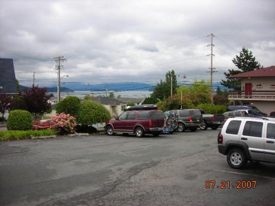 Islands Inn: view from the parking lot