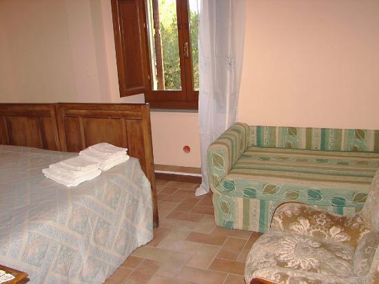 Le Cascate del Mulino: Main bedroom