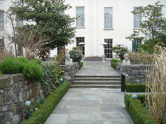 The Merrion Hotel: The courtyard