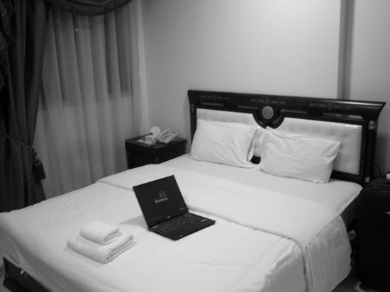 Al Muntazah Plaza Hotel: My room, it was OK.