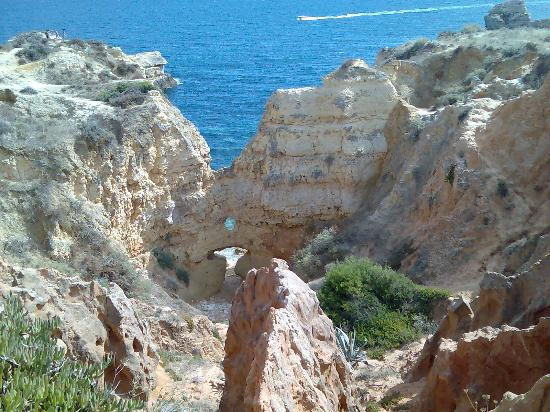 Ponta Grande Resort: Clifftop walk