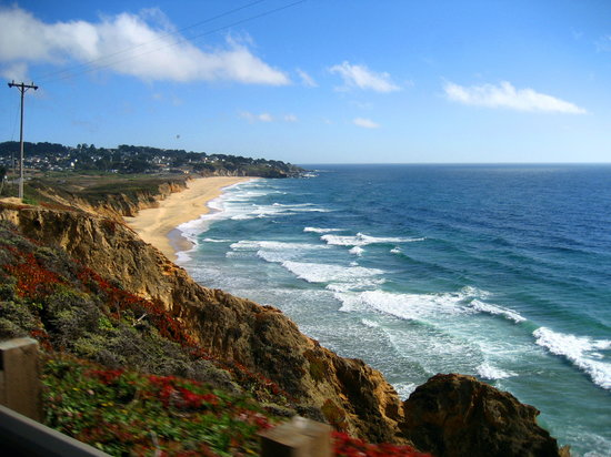 Half Moon Bay, Californië: View of Montara from Devil's Slide