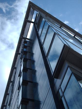 DoubleTree by Hilton Manchester Piccadilly: Arty shot of the exterior!
