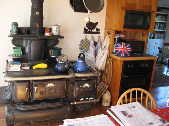 Cornwall Orchards Bed and Breakfast: Kitchen