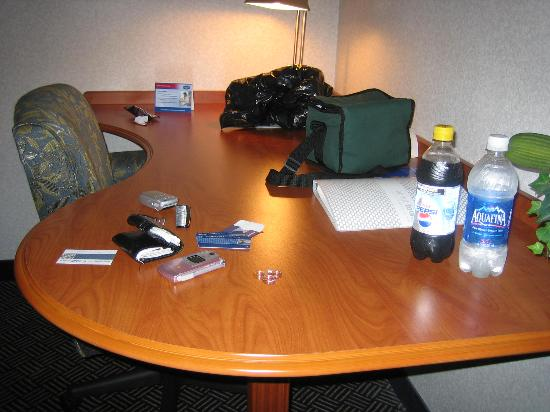 Hampton Inn Danbury: Work desk