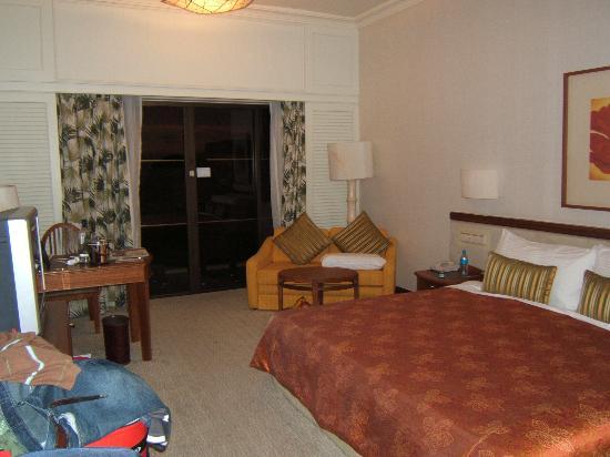 Shangri-La's Rasa Sayang Resort & Spa: deluxe seaview room garden wing