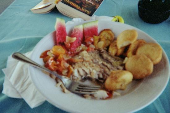 Coral Seas Garden: mmmm breakfast!