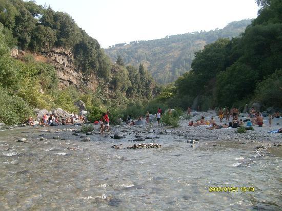 Alcantara Gorge: Cold water!